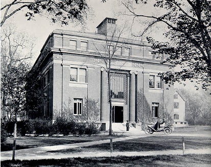 Emerson Hall (1900).