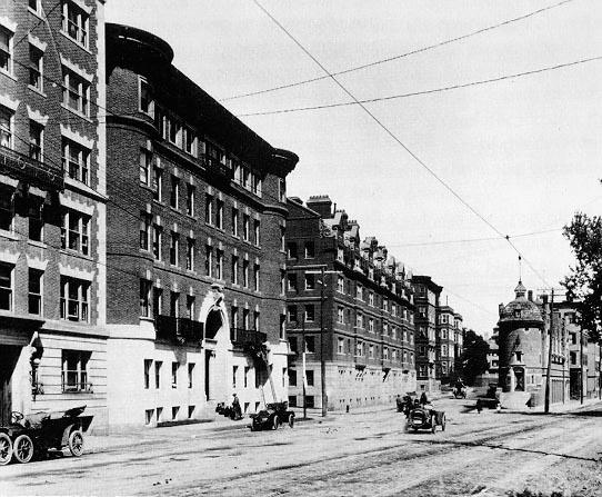 Adams House (1910). Gold Coast Dormitories