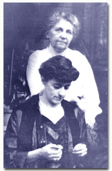 Veatch and sister Della