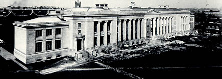 Langdell Hall, Law School (1906).