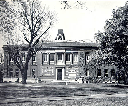 Robinson Hall (1894).