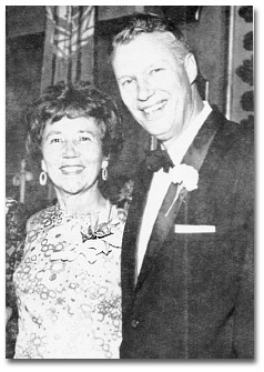 Don and Vilma at the banquet held at the Waldorf Astoria to celebrate the 25th anniversary of his ministry, in September 1969. There Joseph Clark presented him with the Publius Award of the United World Federalist and Mabel Gaidzik and Helen Schindler presented him with a leather bound book containing 360 letters of greetings from members of the congregation.