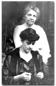 Caroline Veatch, in back, with sister Della Evans