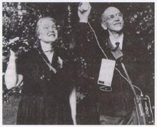 Dorothy and Charles Hartshorne recording birdsong