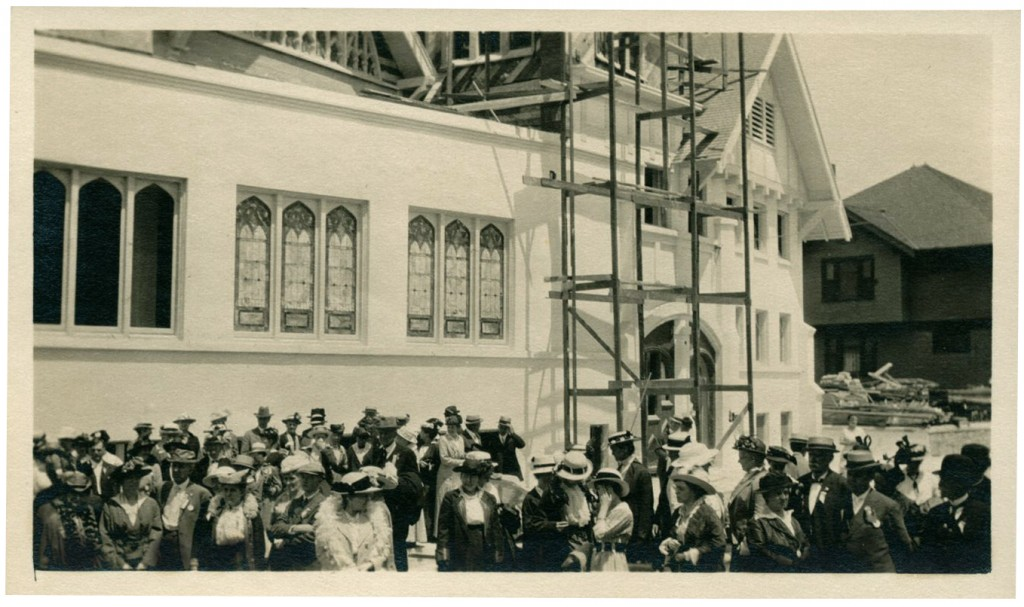 Universalist Convention at St. Mark's Church, Los Angeles, under construction. July 6, 1915. Courtesy of Andover-Harvard Theological Library.